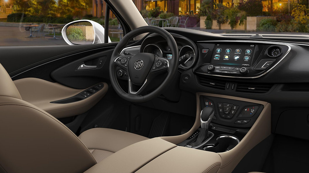 2018-Buick-Envision-in-Light-Neutral-clo