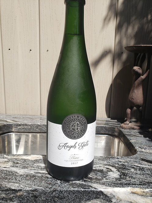 Shine patio sparkling 2017 by Angels Gate