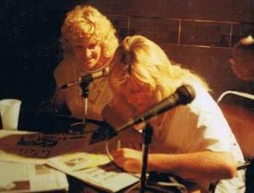 Signing Autographs1sun bor.JPG