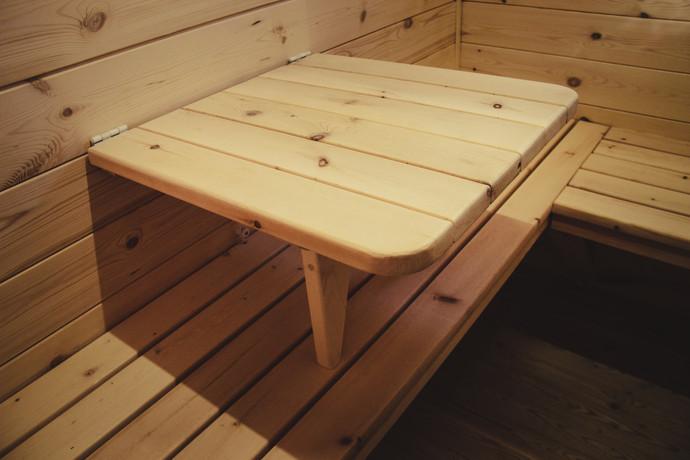 откидной столик в комнате отдыха