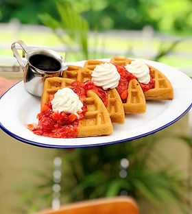 Fresh%20Waffles%20Strawberries_edited.jp