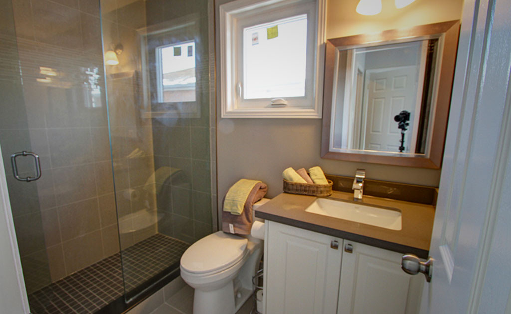 bathroom image 10 - desktop - website (a