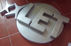 Logo en Plumavit Metalizado