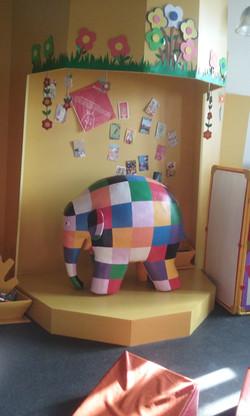 Ficticio Elefante Elmes Biblot.Stgo