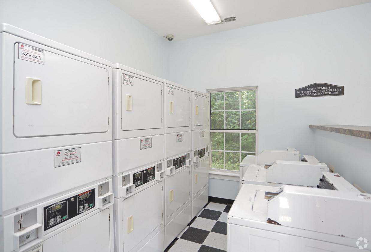 dwell-at-the-view-atlanta-ga-laundry-cen