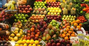 Hei! Tuhoutuvatko vitamiinit 60 asteessa? Entä pakastimessa?Nim. Kokkaaja