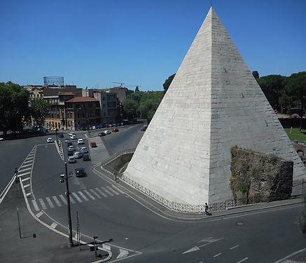 la-piramide-cestia.jpg