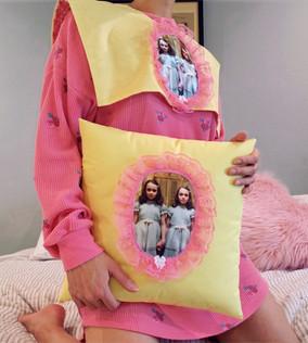Shining Twins Detachable Collar + Matching Pillow Set