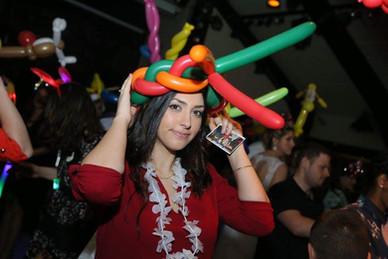 כובעים מבלונים לאירועים כתרים לרחבה בלוני צורות