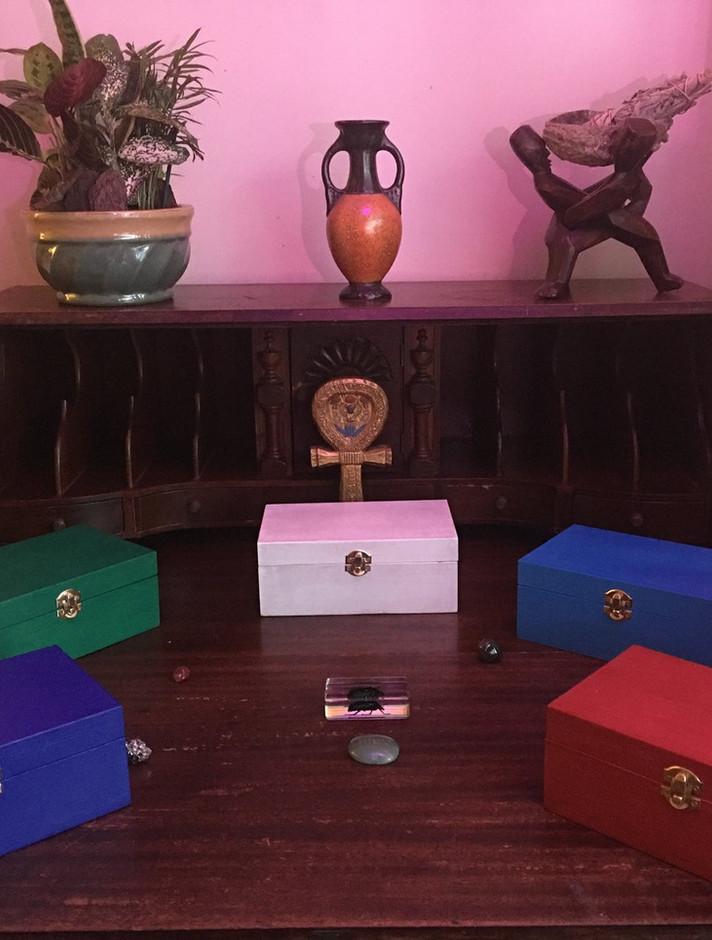 Travel altar color varieties
