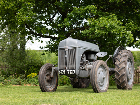Classic Tractor Collection - 1942 FORD 2N