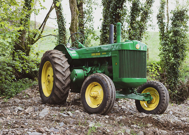 John_Deere_Tamar Vintage Tractors.jpg