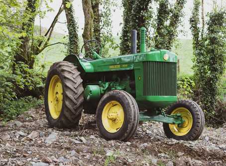 Classic Tractor Collection - John Deere Model R