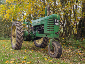 Classic Tractor Collection - John Deere B