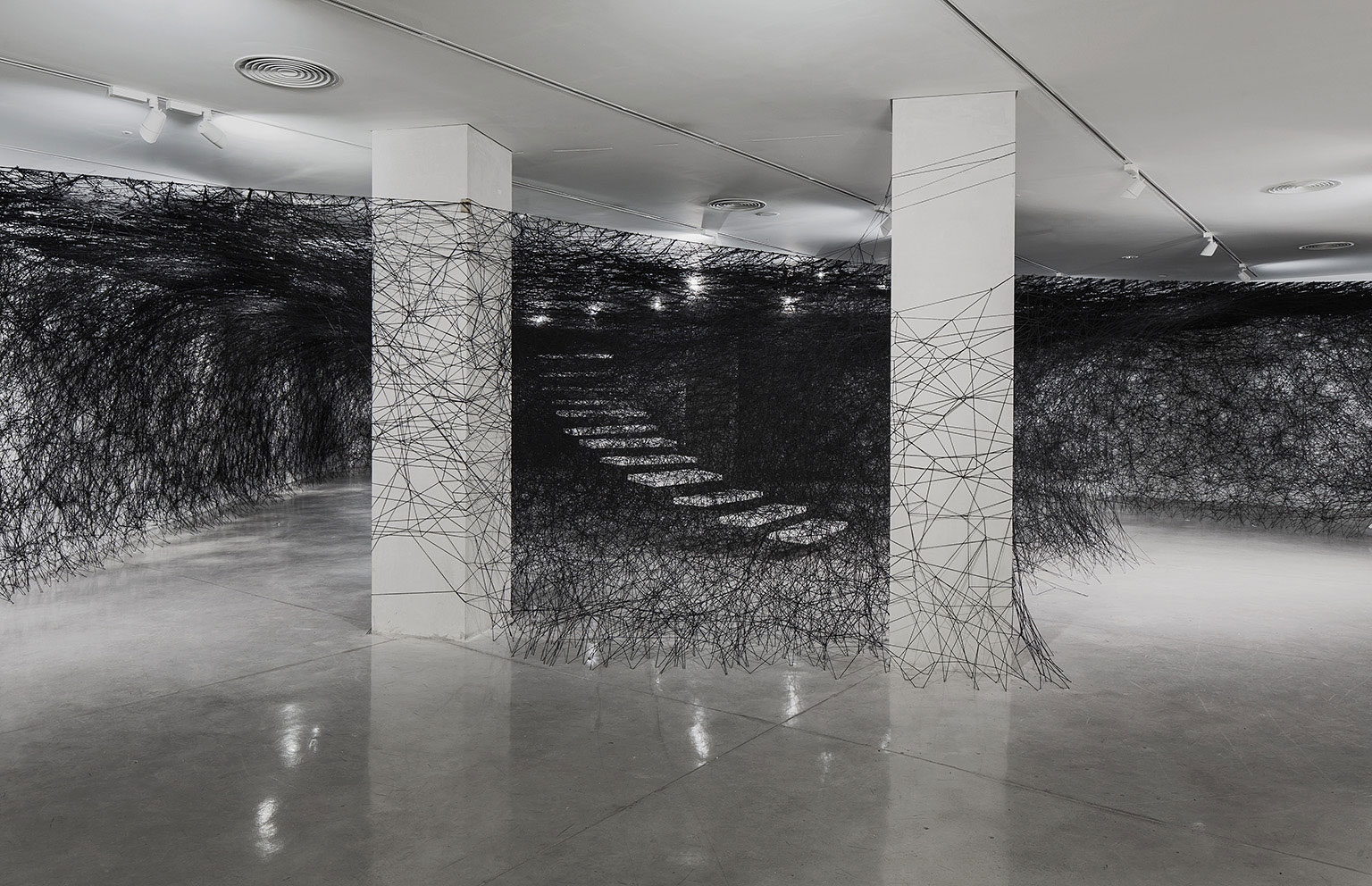 Installation-Photograph-3,-Piranesi-Shiota--Prisons-of-the-Imagination-at-the-Tel-Aviv-Museum-of-Art
