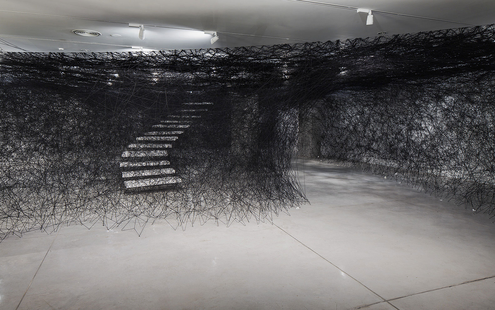 Installation-Photograph-4,-Piranesi-Shiota--Prisons-of-the-Imagination-at-the-Tel-Aviv-Museum-of-Art
