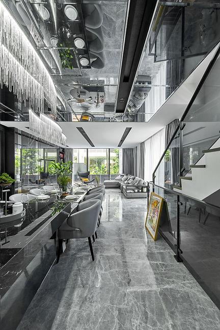 A Monochromatic House