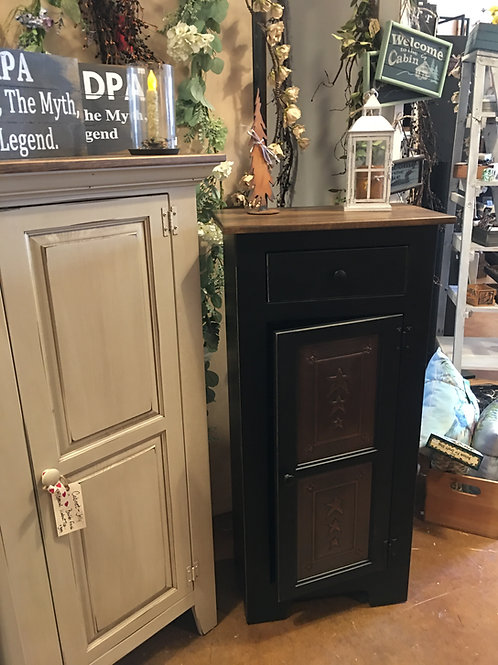 """Amish-Made """"Jelly"""" Cabinet & Pie Safe Cabinet"""