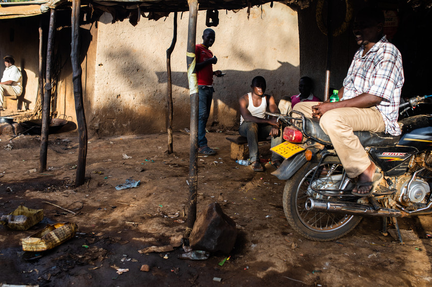 The richest refugees have their own mopeds with which they give rides to others.