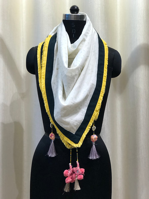 White Daisy Scarf with Bottle Green Border