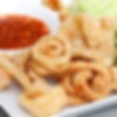 Groothandel Aziatische Levensmiddelen Assortiment; oa Cassave, kroepoek, Baconchips, Gendar Chips, Pisang Goreng, Jackfruit Chips, Pinda´s Wasabi Smaak, Groene Erwten Wasabi Smaak, Pinda´s Tom Yum Smaak, Pinda´s BBQ smaak, Pinda´s Kokos smaak, Gedroogde Vis Chili Smaak, Gedrooogde Vis Chili smaak