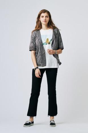 Lace Jacquard Shirt¥16,000+tax Girl PHOTO Tee¥6,500+tax Cut-off Slit Denim Pants¥16,000+tax
