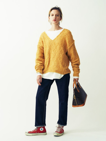 Wool-Mohair Cable Knit Pullover ¥18,000+tax.  Reversible 2way Big tops¥17,000+tax. Denim Pants¥18,500+tax.