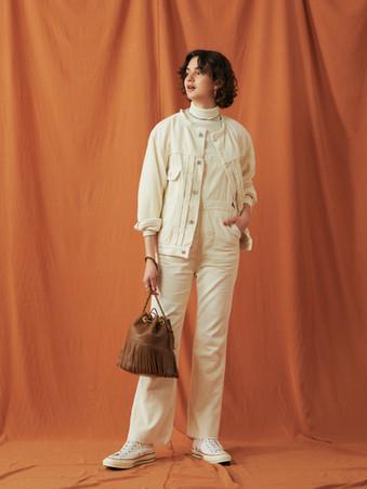 Couduroy Jacket ¥25,000+tax. Compact rib Turtleneck Tops ¥9,000+tax. Couduroy Overalls ¥24,000+tax.