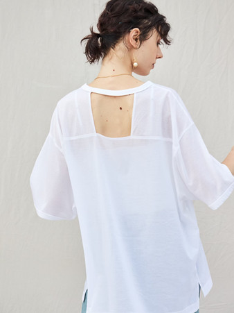sheer back open tops¥13,000+tax.