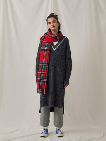 Alan Knitting Nep yarn Vest ¥21,000+tax. Wool like OJI-Pants ¥19,000+tax.