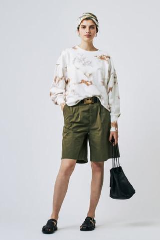 Dyeing Speck Sweatshirt¥14,000+tax Short Chino Pants¥12,000+tax
