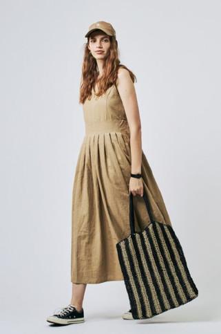 Linen Dress¥22,000+tax Stripe Jute Tote¥9,000+tax
