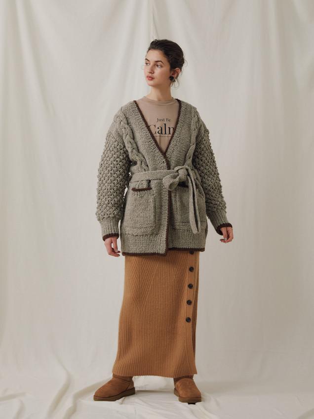 "Hand knitting Pullover ¥25,000+tax. ""CALM""Long sleeve Tee ¥8,000+tax. Racoon Rib knitting Long Skirt ¥18,000+tax."