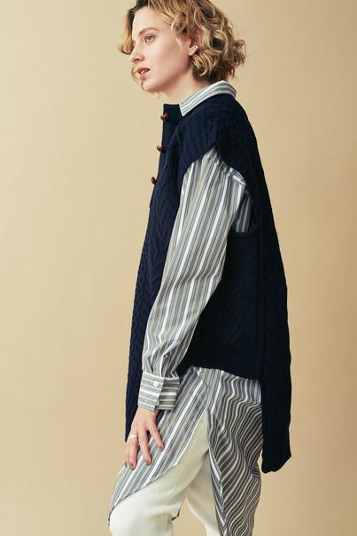 Shirt One piece¥19,000+tax. 2way Aran Knit Vest¥23,000+tax. Reversible Leggings-pants¥9,000+tax.