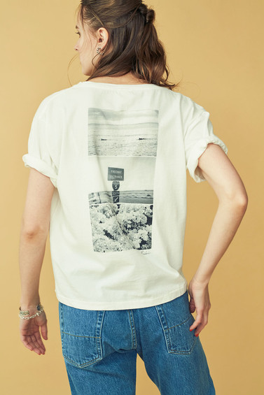 """MOMENT"" PHOTO Tee¥6,500+tax"
