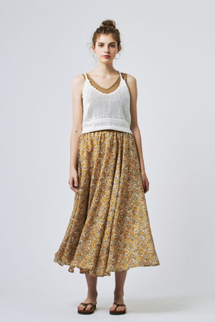 Jacquard Rib 2WAY Tanktops¥5,000+tax Crocheted Lace Camisole¥7,000+tax Flower Long Skirt¥25,000+tax
