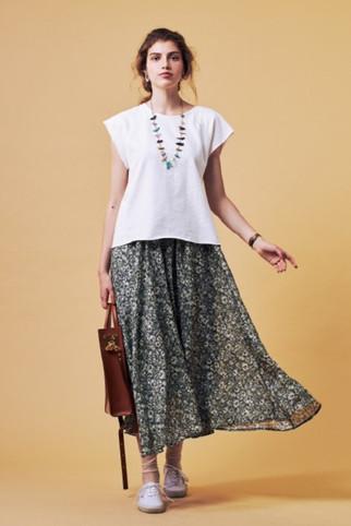 Pigment dye no-sleeve Tops¥6,500+tax Flower Long Skirt¥25,000+tax