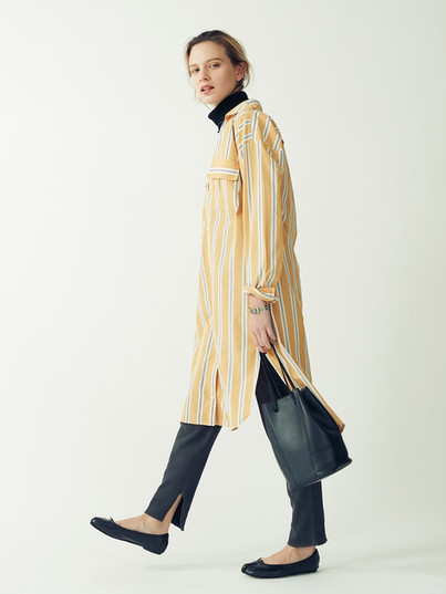 Shirt One piece¥19,000+tax. Wool mix Rib Turtleneck¥9,000+tax. Reversible Leggings-pants¥9,000+tax.