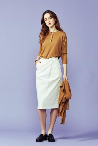 Knit polo shirts ¥12,000+tax Knit cardigan ¥13,000+tax Wrapped skirt ¥13,800+tax