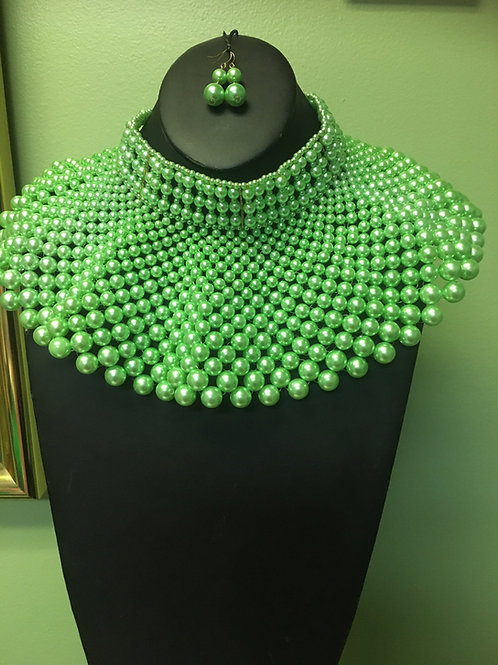 Green Pearl Collar Necklace/Earring Set