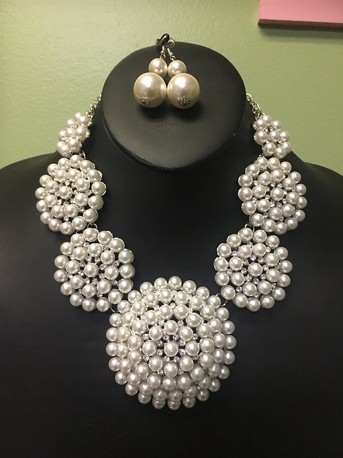 Pearl Necklace/Earring Set