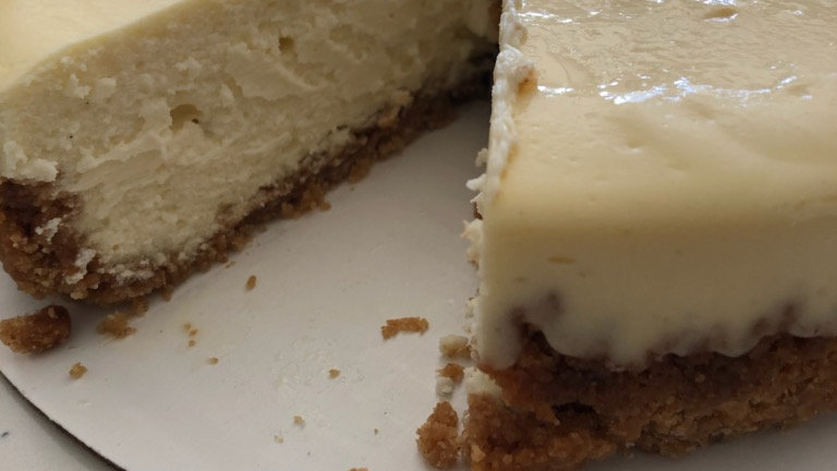 Plain Cheesecake with Fresh Compote