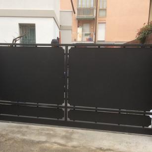 Cancello Nero 2 pannelli.JPG