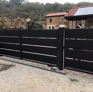 Cancello Pannello Nero.JPG