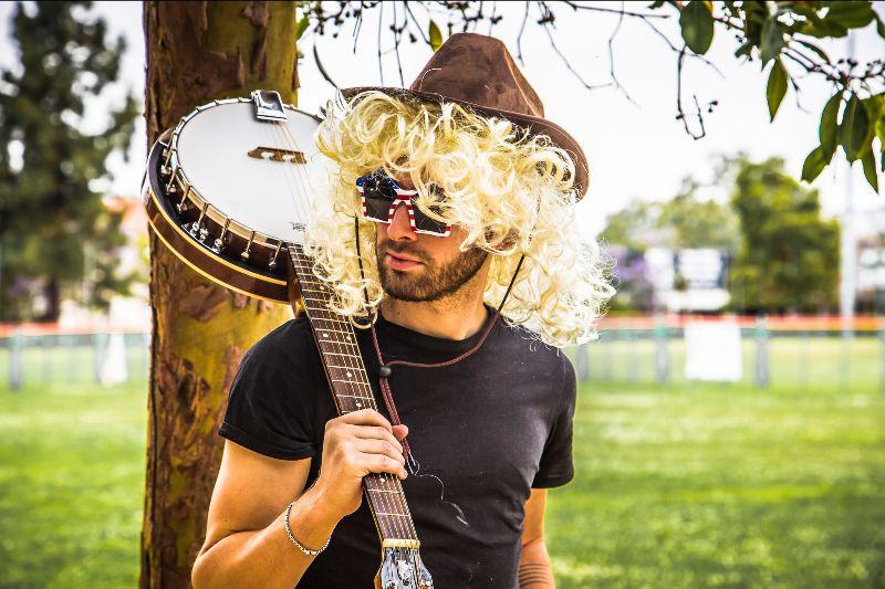 MOLLY PARTON - California with Fairground Saints | Music Republic Magazine