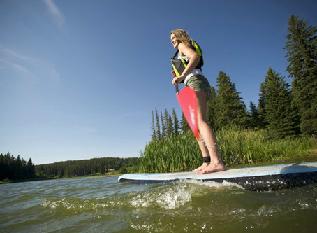 Hip in Saskatchewan: Spaß beim Stand-Up Paddling in der Prärie