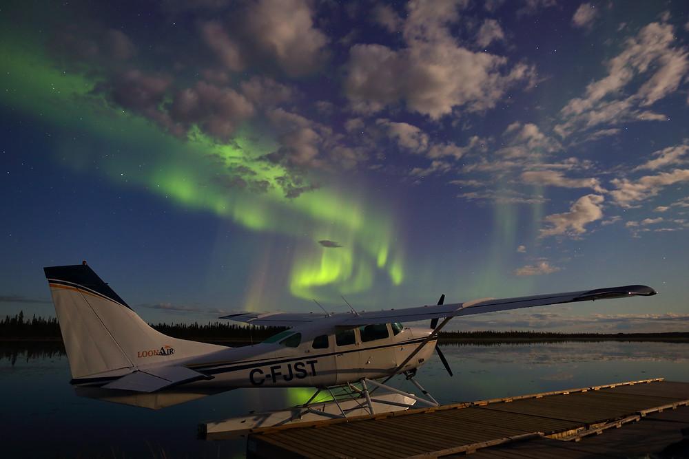 Summer Aurora Sommer Nordlichter Northwest Territories NWT Floatplane Wasserflugzeug