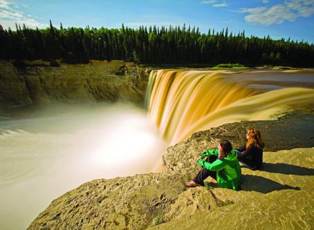 Gewaltiges Nass: 10 phänomenale Wasserfälle der Northwest Territories