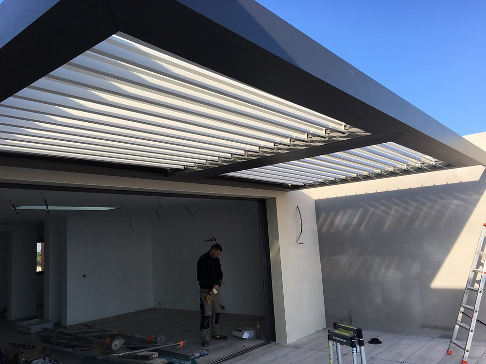 pose-pergola-bioclimatique-montpellier