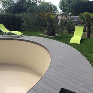 Terrasse composite de forme circulaire